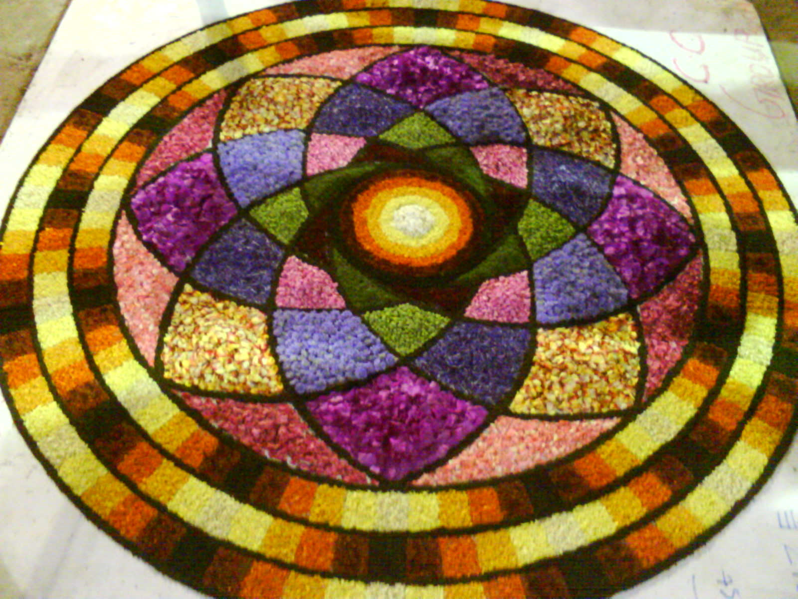 Rangoli designs wallpaper diwali rangoli designs flower for Floor rangoli design